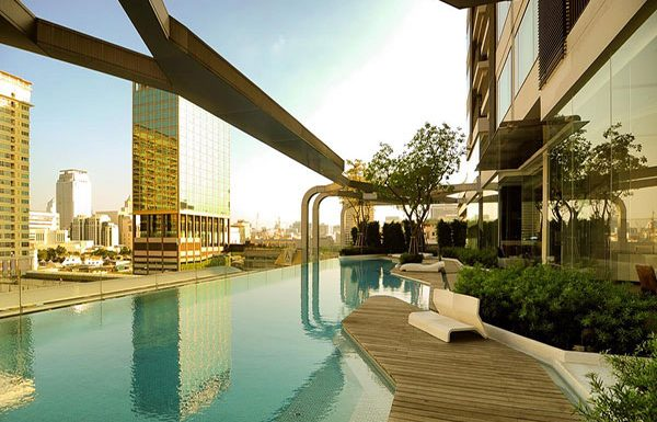 pyne-by-sansiri-bangkok-condo-for-sale-swimming-pool-5