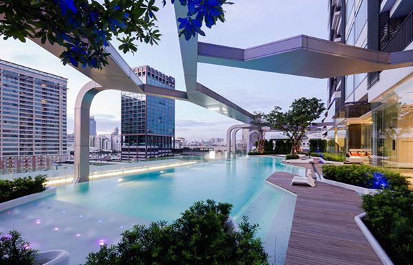 pyne-by-sansiri-bangkok-condo-for-sale-swimming-pool